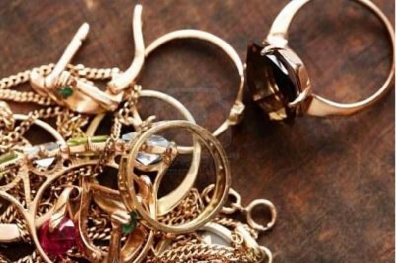 rachetez vous les bijoux en plaqu or rachat d 39 or et d 39 argent marseille l 39 echoppe d 39 or. Black Bedroom Furniture Sets. Home Design Ideas